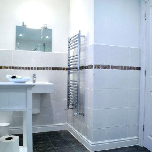 Windermere bedroom bathroom